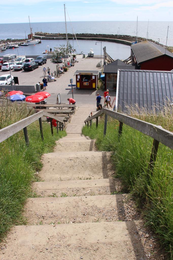 Vägen ner från Ale stenar till Kåseberga hamn
